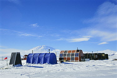 Research camp for scientists studying movements and physiology of Weddell Seals (Leptonychotes weddellii), Antarctica  -  Norbert Wu