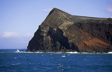 Surtsey Island, new volcanic island born by a violent eruption in 1963, Westman Islands, Iceland  -  Tui De Roy