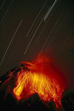 Tungurahua Volcano erupting, near Banos, Andes Mountains, Ecuador  -  Tui De Roy