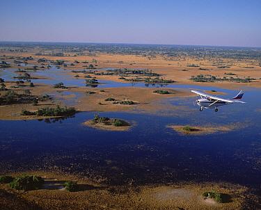Flight safari, Okavango Delta, Botswana  -  Konrad Wothe