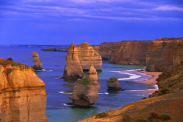 Twelve Apostles limestone cliffs, Port Campbell National Park, Great Ocean Road, Victoria, Australia  -  Konrad Wothe