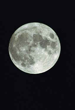 Full moon from equator  -  Gerry Ellis