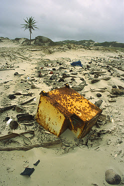 Rubbish washed up onto the beach, buffeted almost non-stop in the dry season by southeast trade winds, much of the eastern side of Cape York Peninsula becomes covered in rubbish from passing boats, Qu...  -  Barry Ashenhurst/ Auscape