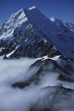 Mt Cook or Aoraki, Mt Cook National Park, South Island, New Zealand  -  Jean-Paul Ferrero/ Auscape
