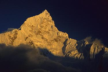 Mt Nuptse (7,861 meters) seen from Kala Pattar, Khumbu, Himalaya, Nepal  -  Colin Monteath/ Hedgehog House