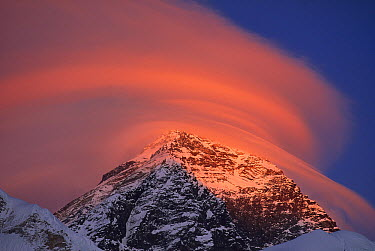 Wind cloud over Mount Everest seen from Sagarmatha National Park, Nepal  -  Grant Dixon/ Hedgehog House