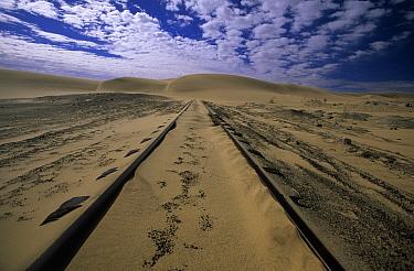 Railway between Aus and Luderitz Bay, Namibia  -  Winfried Wisniewski