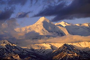 Alaska Range in spring snow, morning light, Denali National Park and Preserve, Alaska  -  Yva Momatiuk & John Eastcott