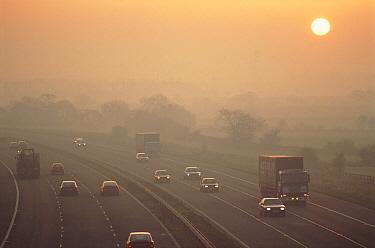Highway traffic, United Kingdom  -  David Noton/ npl
