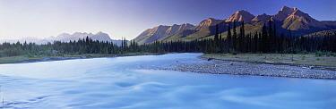 Kootenay River, Kootenay National Park, Canadian Rockies, British Columbia, Canada  -  David Noton/ npl