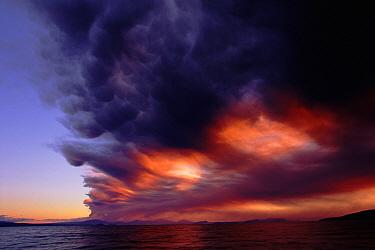 Mount Ruapehu eruption over Lake Taupo, ash and clouds, June 1996, Tongariro National Park, North Island, New Zealand  -  Albert Aanensen/ npl