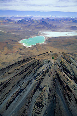 Laguna Verde an alkaline lake, and the /extinct volcano Licancabur on the altiplano, 4500m, Bolivia  -  Doug Allan/ npl
