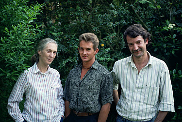 Dr Jane Goodall with her son 'Grub' and Dr Christophe Boesch, 1989  -  Inaki Relanzon/ npl