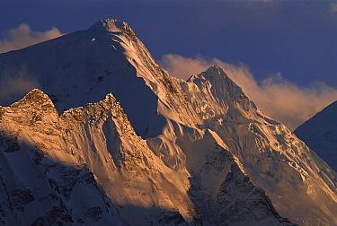 Peaks near Larkya La, Nepal  -  Colin Monteath/ Hedgehog House
