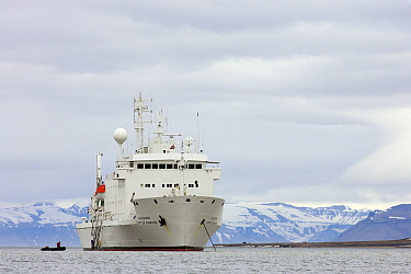 Russian vessel and zodiac, Svalbard, Norway  -  Jasper Doest