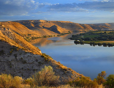Snake River, Hagerman Fossil Beds National Monument, Idaho  -  Tim Fitzharris