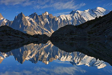 Lac Blanc with reflection of Mont Blanc, France  -  Ingo Arndt