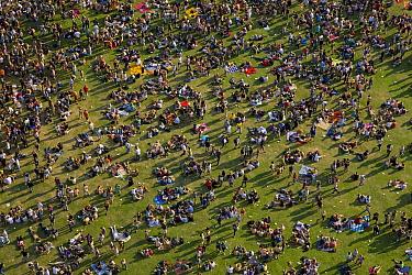 Crowd of people, Rheinkultur Festival, Bonn, Germany  -  Ingo Arndt