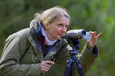 Videographer Silke Arndt on location, Michoacan, Mexico  -  Ingo Arndt