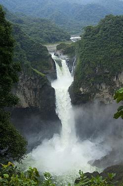 San Rafael or Coca Falls on the Quijos River, Cayambe Coca Ecological Reserve, Ecuador  -  Murray Cooper