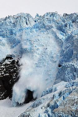 Ice breaking off glacier, Alaska  -  Hiroya Minakuchi