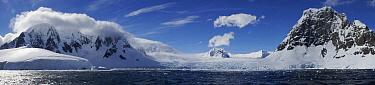 Glacier cascading into the Lemaire Channel, Antarctica  -  Hiroya Minakuchi