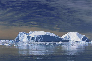 Iceberg flowing off to the sea, Greenland  -  Hiromi Naito/ Nature Production