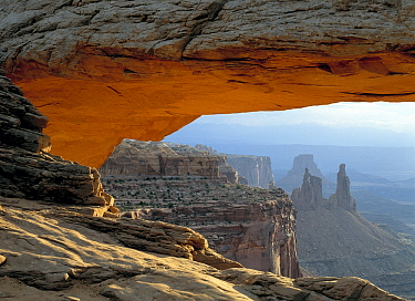 Mesa Arch, Canyonlands National Park, Utah  -  Klein and Hubert