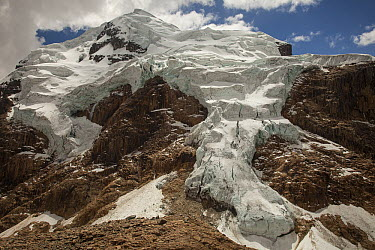 Retreating hanging glaciers from summit Cerro Cuyoc, Cordillera Huayhuash, Andes, Peru  -  Colin Monteath/ Hedgehog House