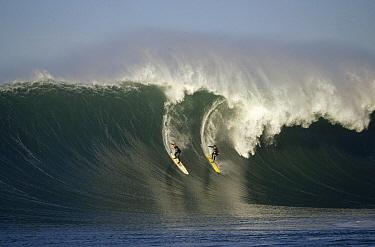 Evan Slater, Mavericks, Half Moon Bay, California  -  Bob Barbour