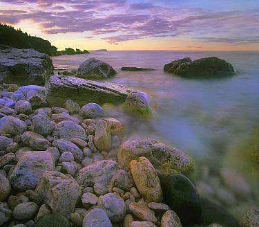 Halfway Log Dump Beach, Bruce Peninsula National Park, Ontario, Canada  -  Tim Fitzharris