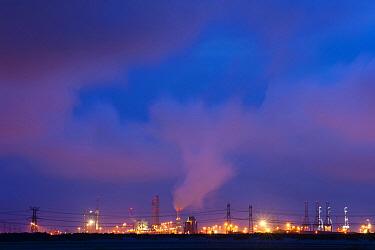 Industrial buildings in a harbor, Slikken van Voorne, Netherlands  -  Nico van Kappel/ Buiten-beeld