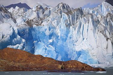 Blue ice of the Viedma Glacier, Viedma Lake, Argentina  -  Lex van Groningen/ Buiten-beeld