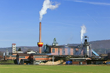 Charcoal plant, Weser River, Hessen, Germany  -  Duncan Usher