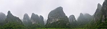 Limestone karst mountains, Guangxi, China  -  Thomas Marent