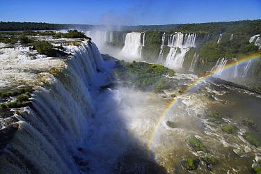Devil's Throat, Iguacu Falls, Iguacu National Park, Argentina  -  Hiroya Minakuchi