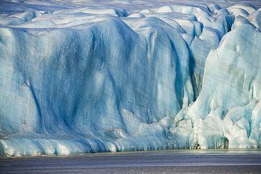 Glacial moraine, Vatnajokull Glacier, Lake Fjallsarlon, Iceland  -  Chris Stenger/ Buiten-beeld