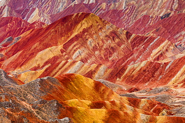 Eroded hills of sedimentary conglomerate and sandstone, Zhangye, China  -  Chris Stenger/ Buiten-beeld
