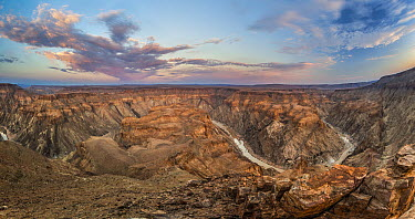 Fish River winding though the desert, Fish River Canyon, Namibia  -  Vincent Grafhorst