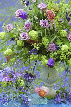 Flower bouquet with lavendar roses  -  Jan Vermeer