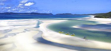 Tourists on sandbank, Whitehaven Beach, Whitsunday Island, Queensland, Australia