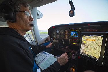 Pilot, Mark Dedon, getting ready for take-off, Santa Cruz Puma Project, Livermore, California