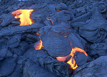 Pahoehoe lava flow, Hawaii Volcanoes National Park, Big Island, Hawaii