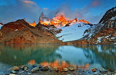 Lagoon and Mount Fitz Roy, Los Glaciares National Park, Patagonia, Argentina