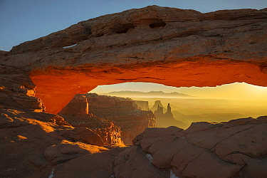 Mesa Arch at sunrise, Canyonlands National Park, Utah