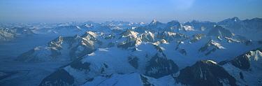 St. Elias Mountains, Kluane National Park, northern Canadian Rocky Mountains, Canada  -  Patricio Robles Gil/ Sierra Madr