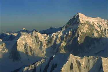 St. Elias Mountains, Kluane National Park, Canada  -  Patricio Robles Gil/ Sierra Madr