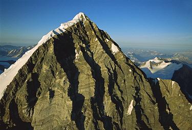 Peak in the St. Elias Mountain, Kluane National Park, Canada  -  Patricio Robles Gil/ Sierra Madr