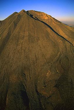 The peak of Las Virgenes Volcano, 1,920 meters high, El Vizcaino Biosphere Reserve, Baja California, Mexico  -  Patricio Robles Gil/ Sierra Madr