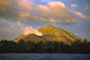 Volcano erupted a few years ago and it's still active near the city of Rabaul, north of New Britian, Papua New Guinea  -  Patricio Robles Gil/ Sierra Madr